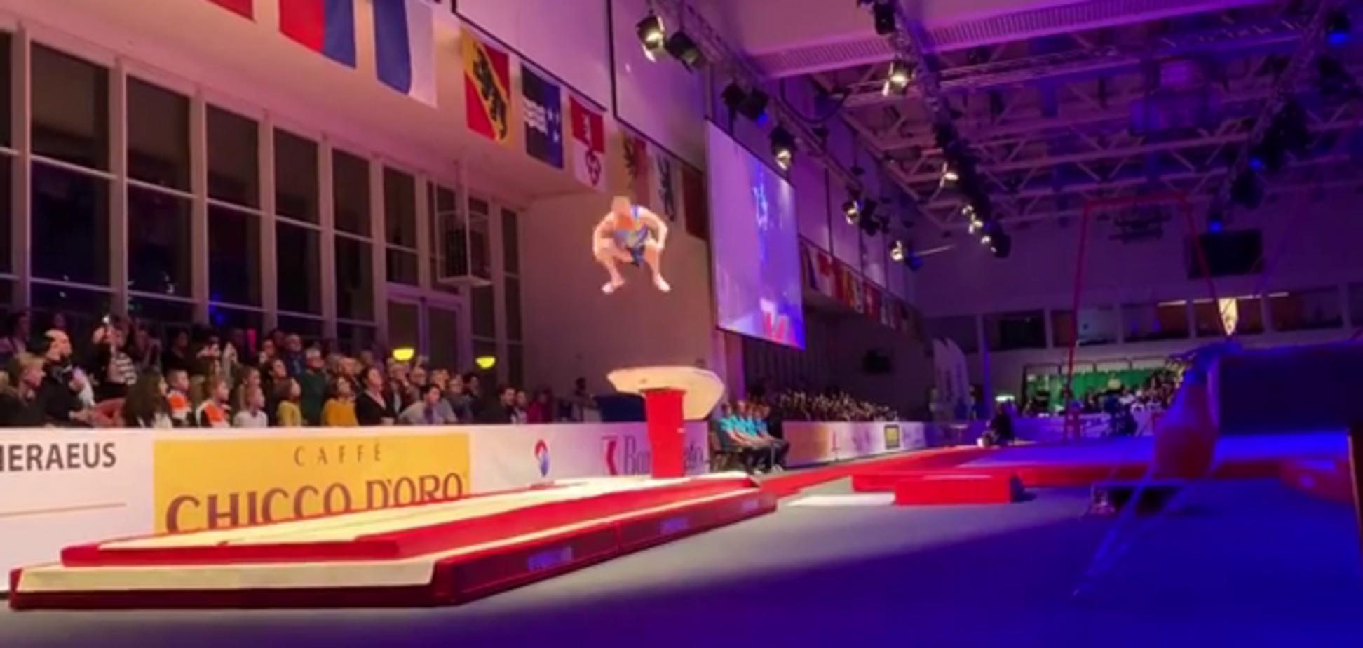 ''Г*вно случается'': знаменитый украинский гимнаст страшно приземлился после неудачного прыжка