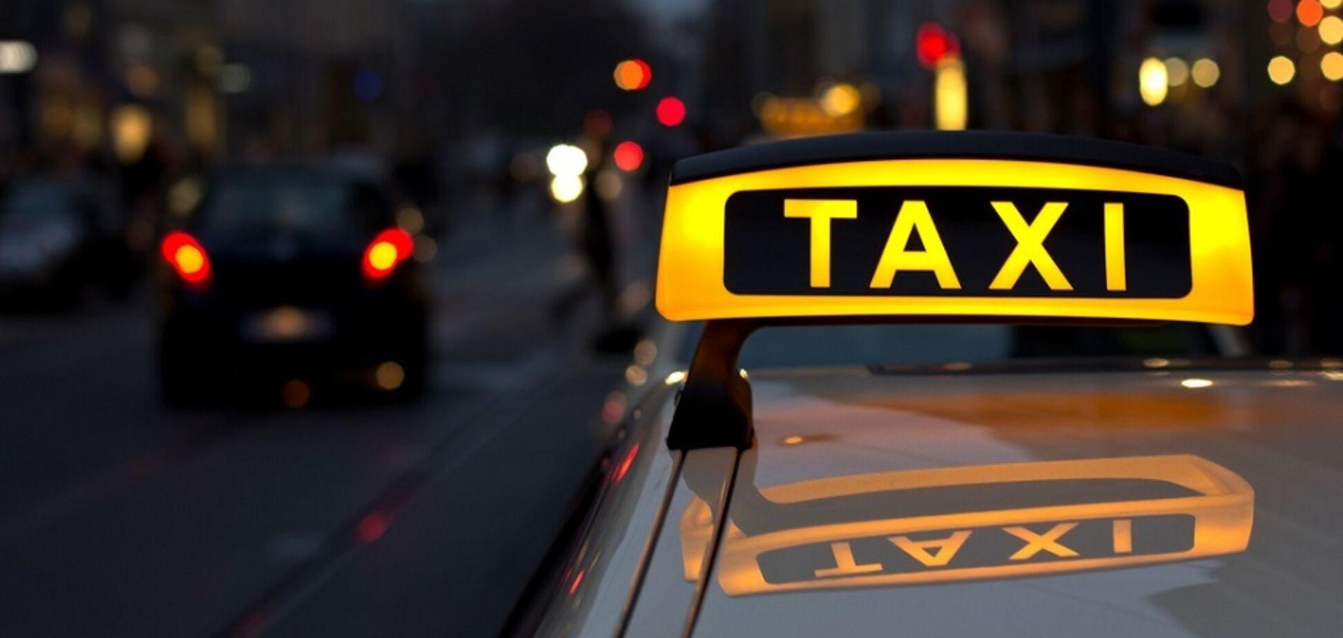 Российскую модель изнасиловали в популярном сервисе такси