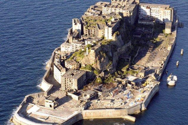 Как выглядит заброшенный остров-призрак Хашима в Японии: фотофакт