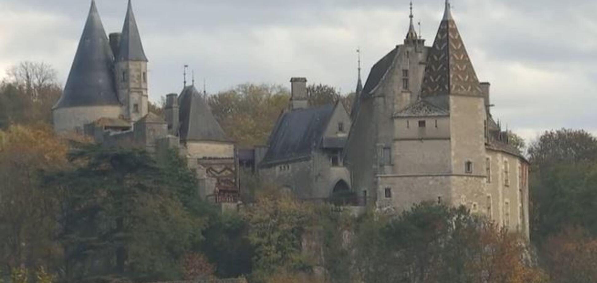 Журналісти показали шикарний замок ''мертвого'' українського авантюриста у Франції