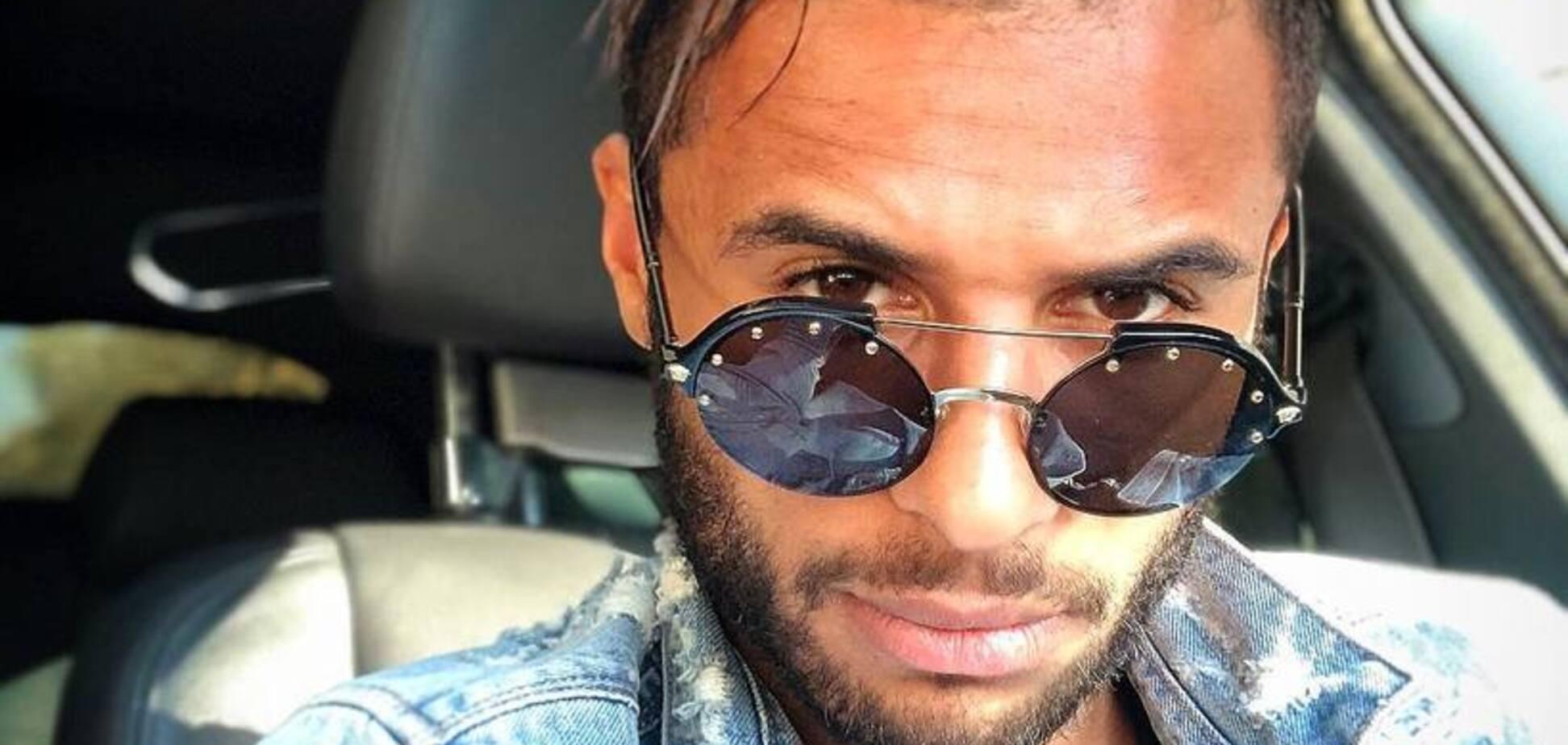 Украинский футболист променял российскую певицу на казахскую модель