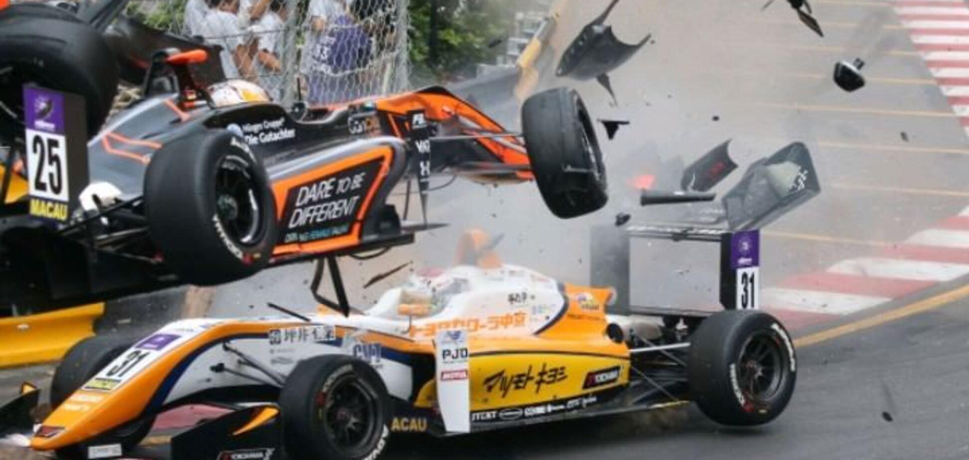 На гонках в Китаї сталася найкошмарнiша аварія року - моторошні відео