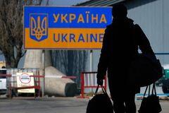 ''Идите работать, банд***вцы!'' Как в Польше унижают и обманывают украинских заробитчан
