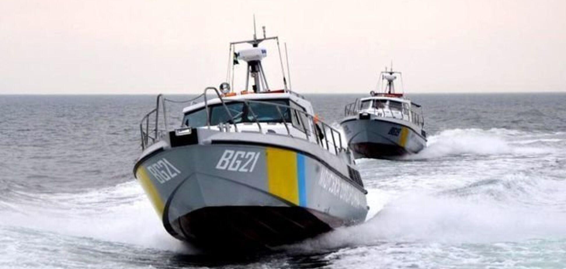 Росія затримала катер з українцями в Азові: що відомо