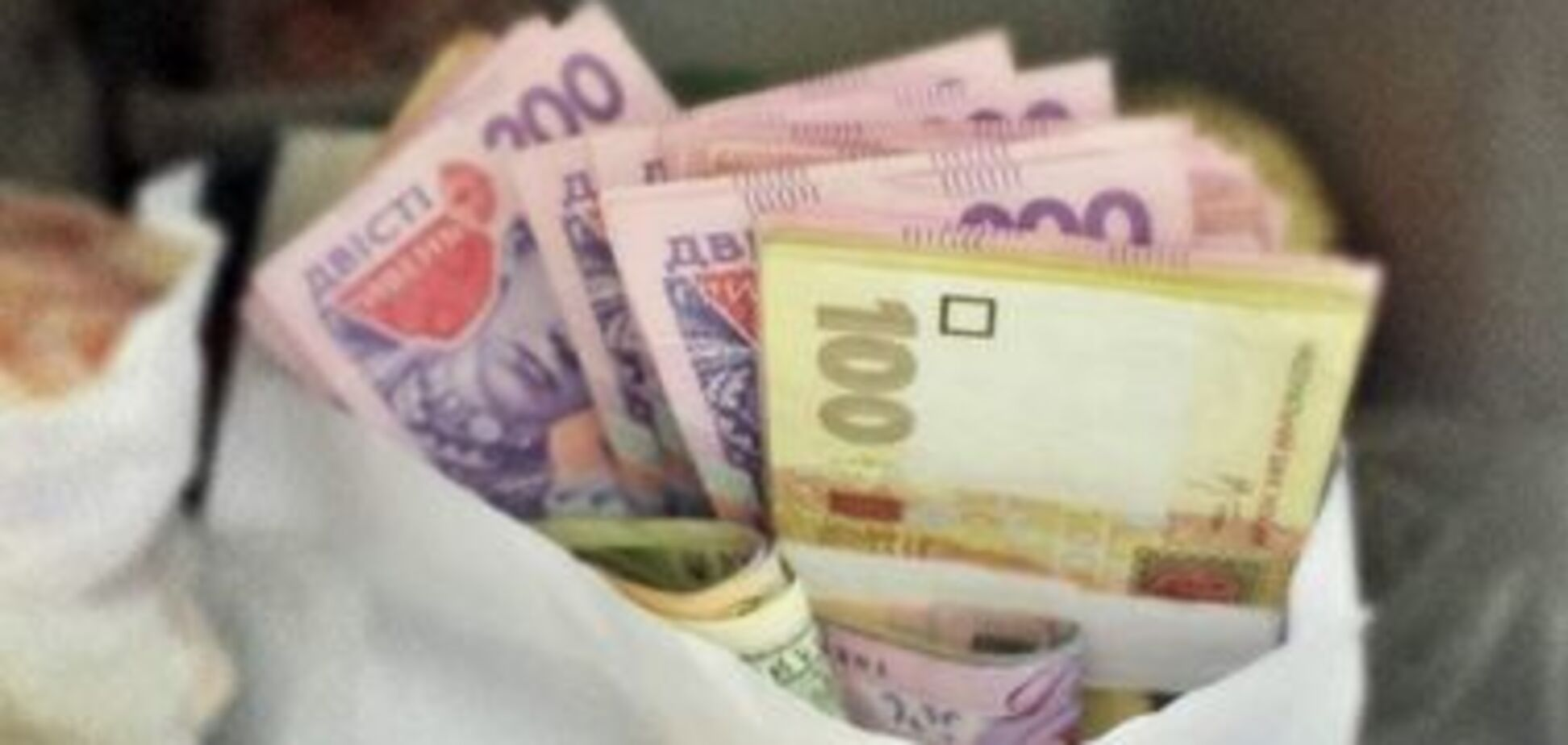 ''Ніхто не замислюється'': юрист зруйнував міф про вигоду зарплат у конвертах