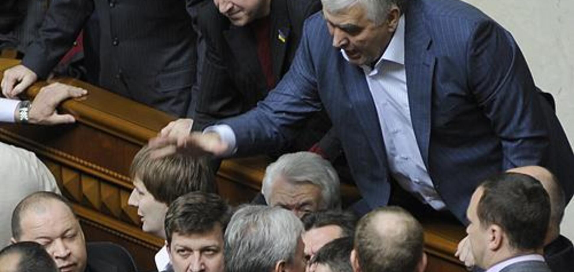 ''Всех вас положу!'' На Донбассе задержали скандального экс-регионала