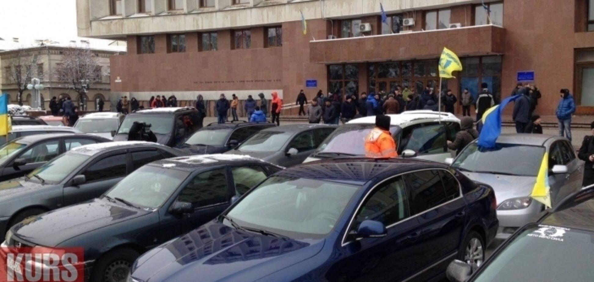 Є склад злочину: ''євробляхери'' можуть піти під суд за протести в Україні