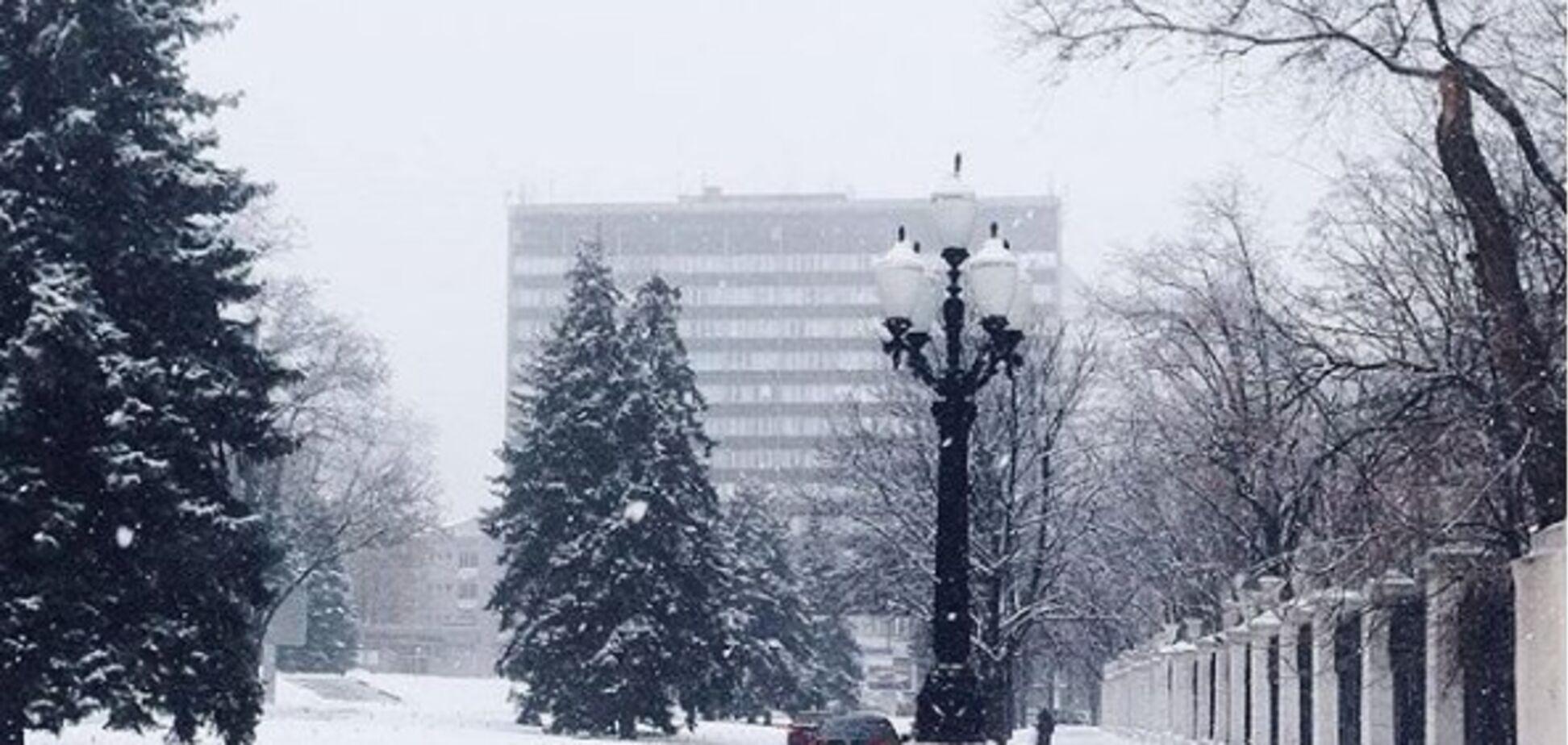 Снігопад у Дніпрі: в мережі з'явилися барвисті фото