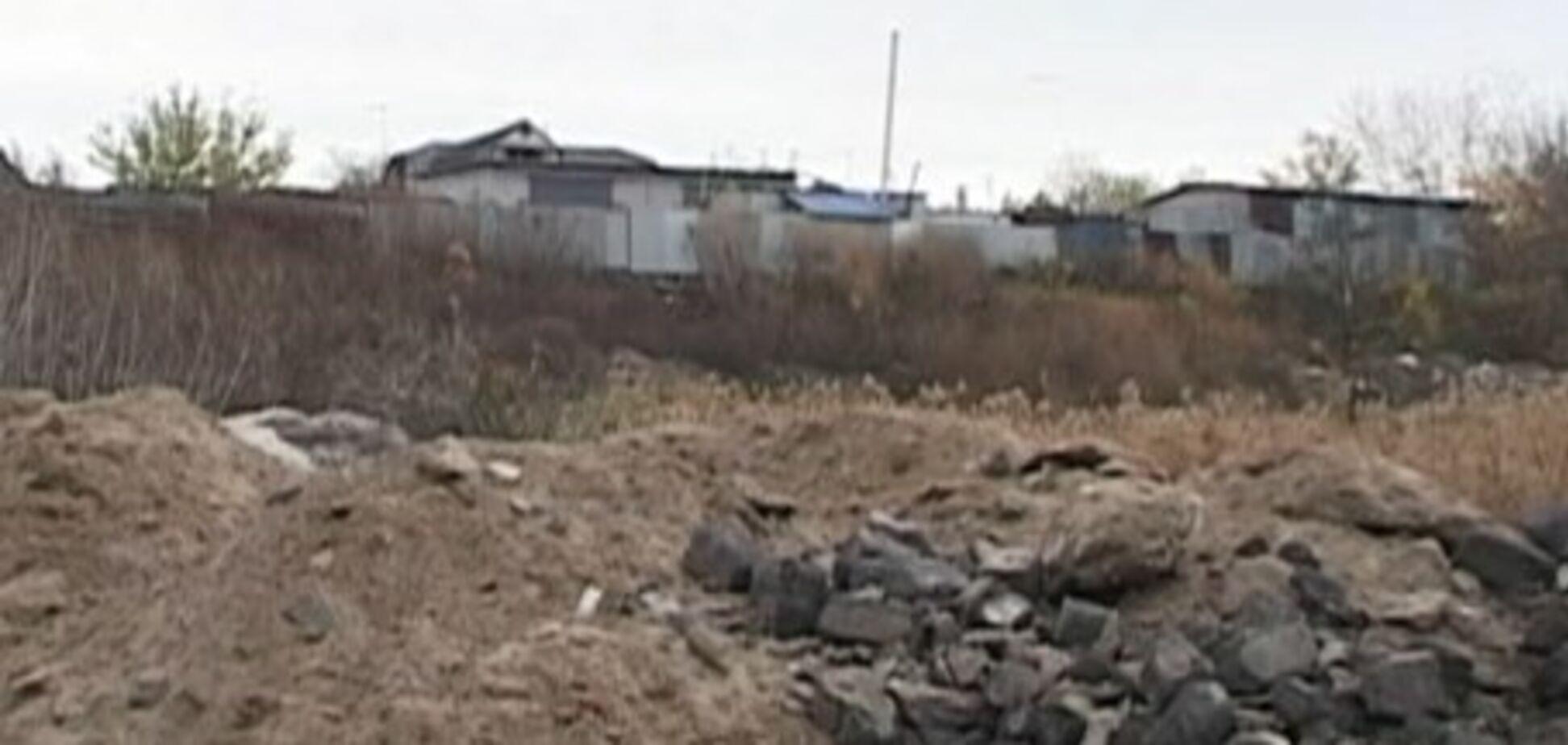 Тонни сміття і небезпечні відходи: під Харковом влаштували сміттєзвалище біля житлових будинків