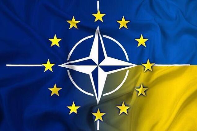Украина идет в НАТО и ЕС: Конституционный Суд одобрил курс Порошенко