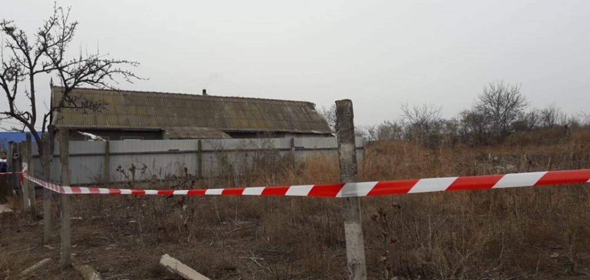 Изнасиловали и задушили: на Одесщине в заброшенном доме нашли труп 10-летней девочки. Первые фото с места преступления
