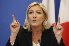 За спиною стоїть Кремль: в Україні пролили світло на масштабні протести у Франції