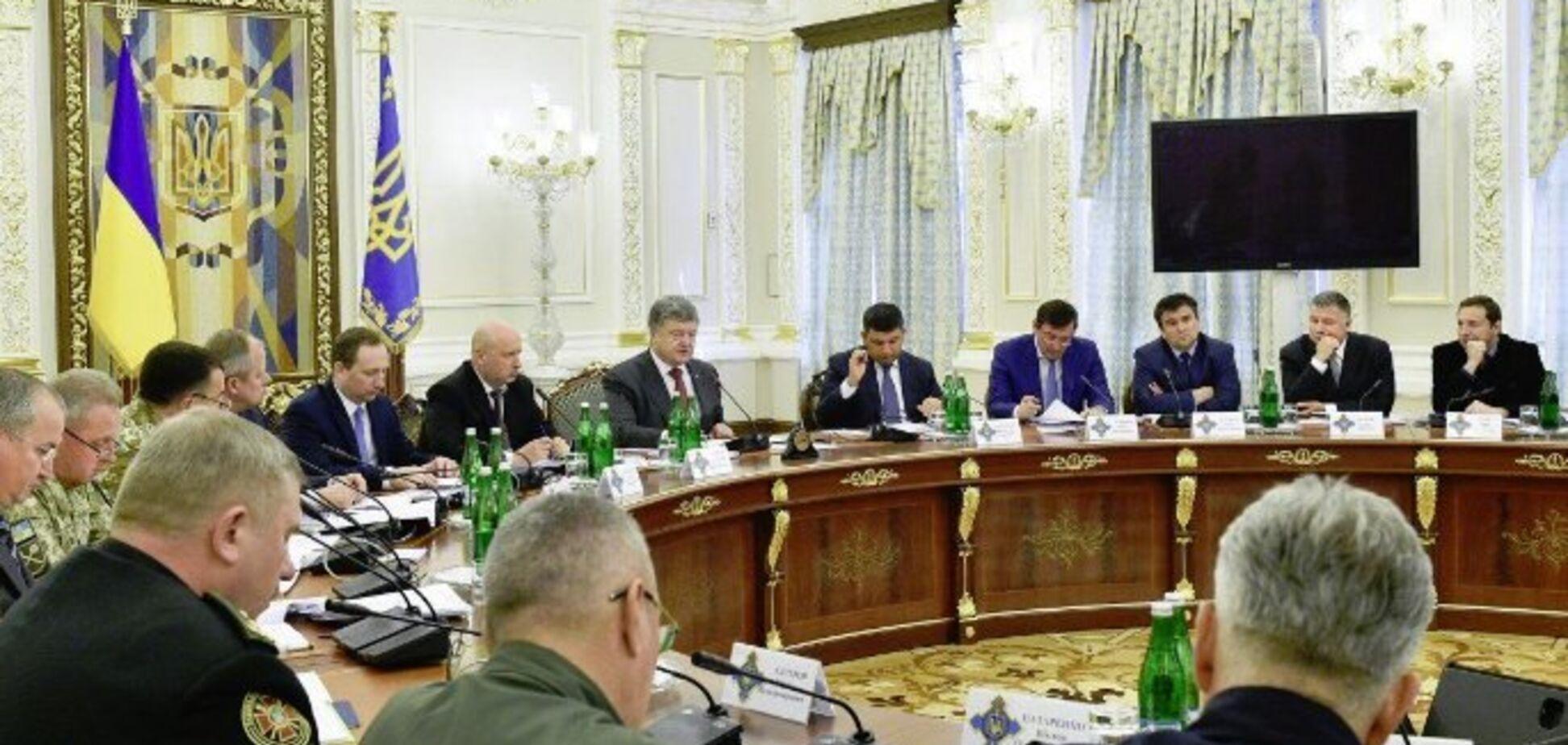 Порошенко поддержал введение военного положения в Украине: что это значит