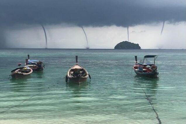 Аномальное явление: в Таиланде заметили сразу 4 смерча