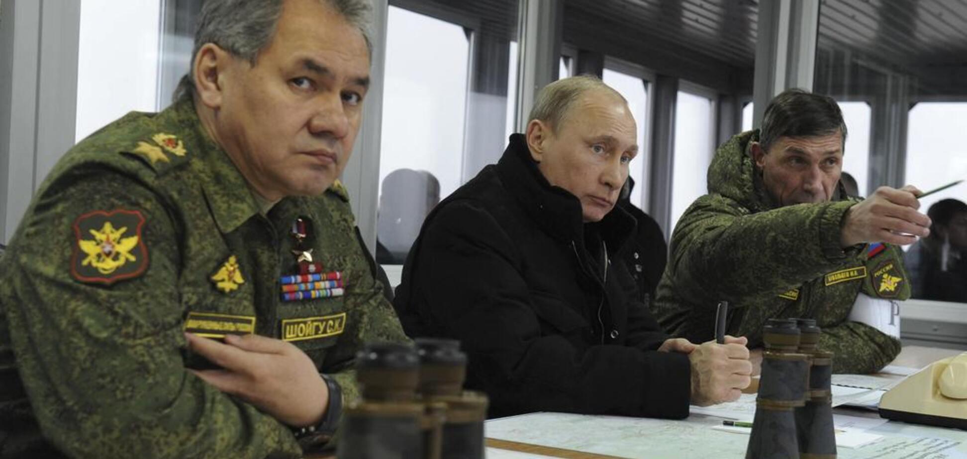 ''Россия готовится к вторжению'': Турчинов выступил с предупреждением