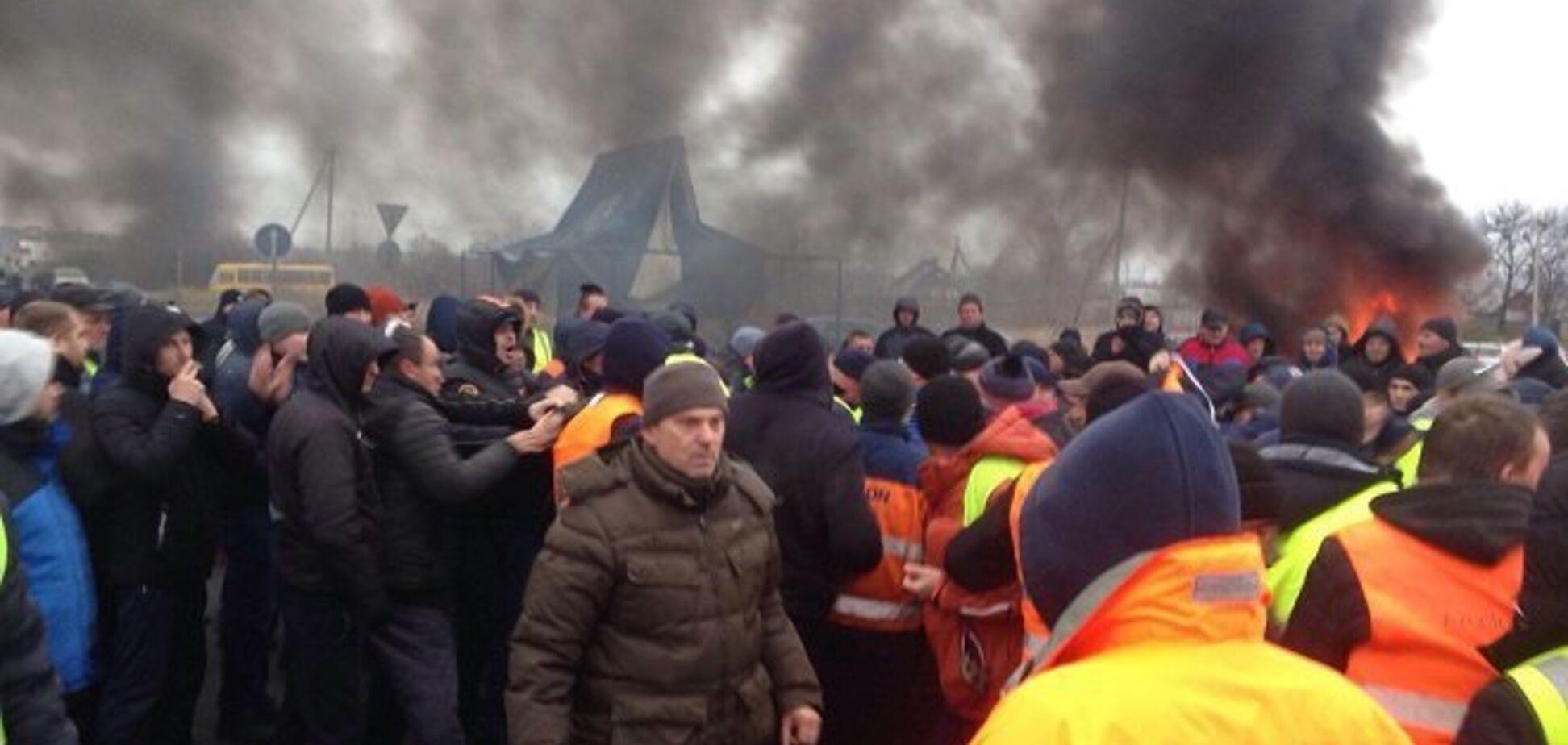 Бунт ''євроблях'' на кордоні України: з'явилися нові подробиці зіткнень