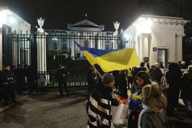 Мітинг під посольством Росії у Польщі