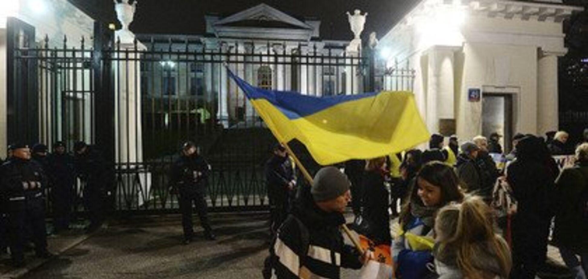 Світ ''підірвала'' агресія Росії у Керченській протоці: фото і відео протестів