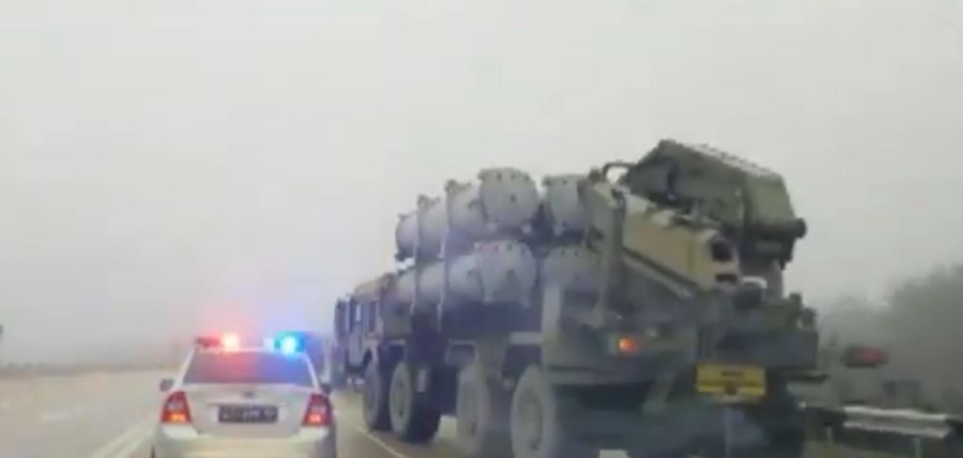 Росія стягнула небезпечну зброю у Керч: опубліковане відео