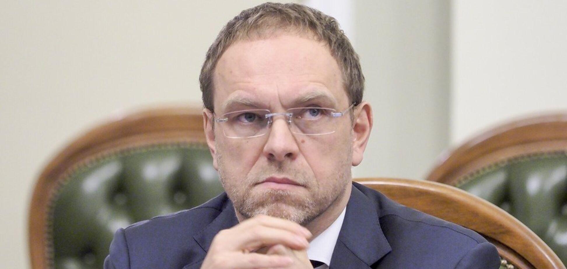 Власенко: ''Батьківщина'' будет контролировать законность действий власти во время военного положения