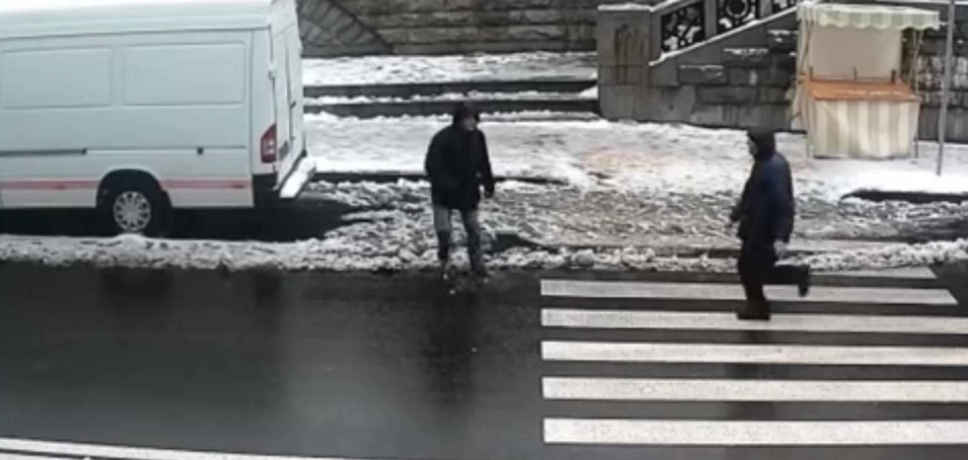 У Києві спіймали ''палія'' Андріївської церкви: опубліковано відео погоні