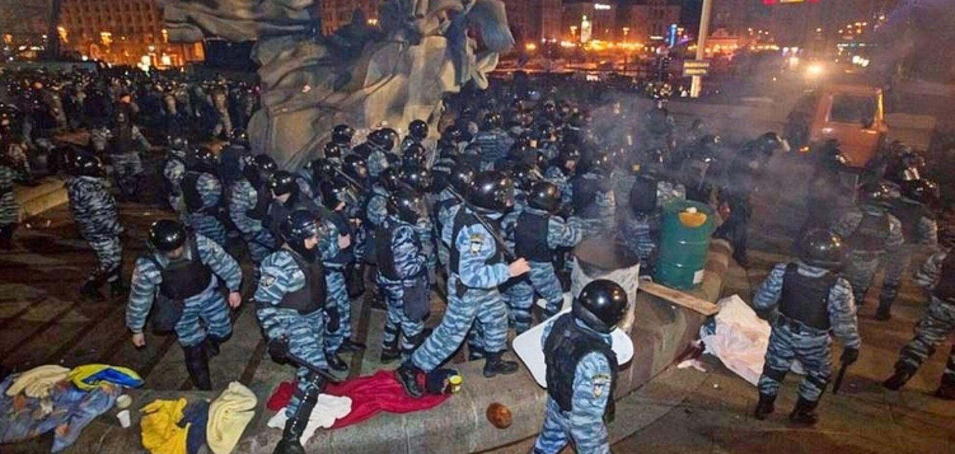 ''Девушек таскали за волосы, всех лупили дубинками'': участники студенческого Майдана вспомнили кровавый разгон