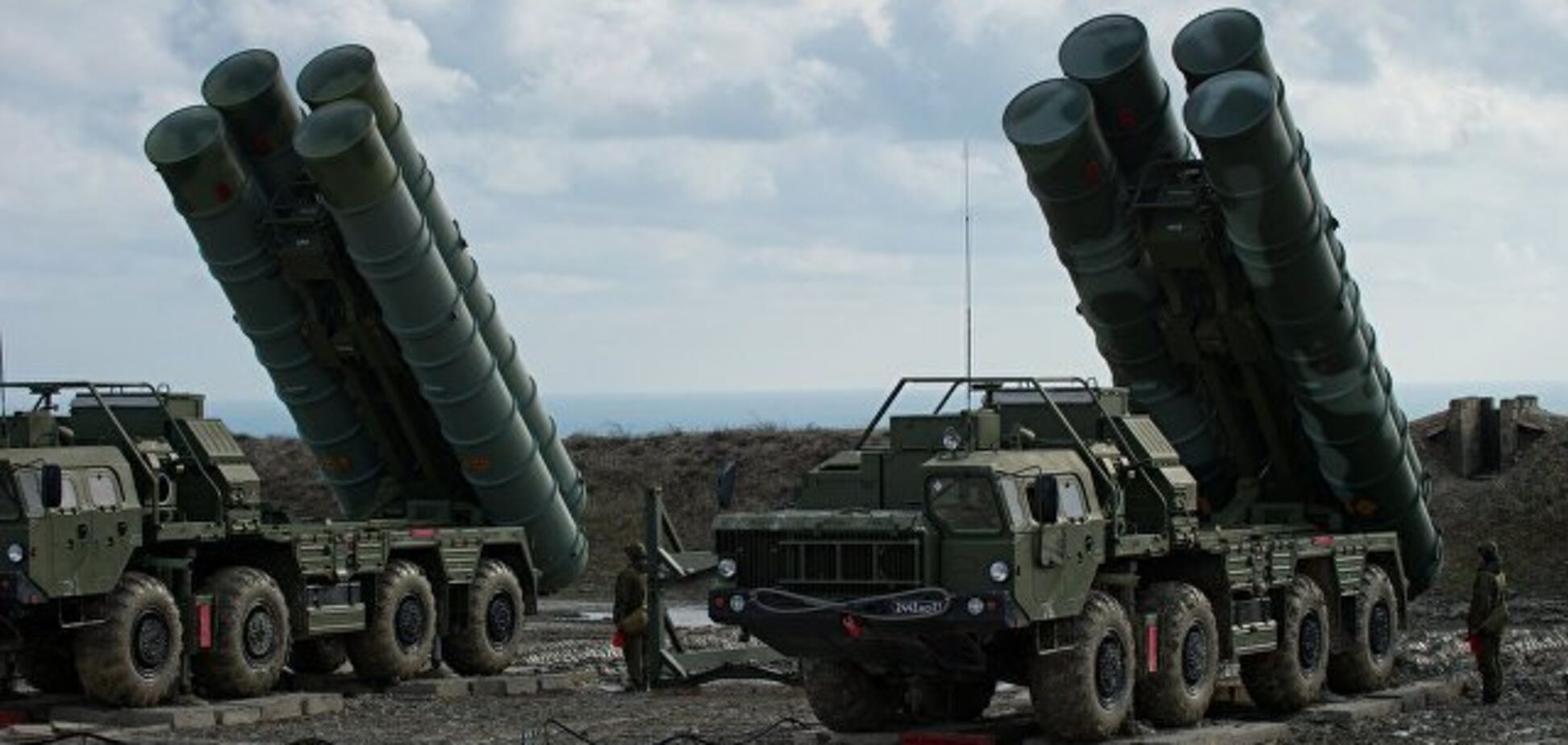 Окупанти закрили небо над Кримом ракетними установками: що відомо