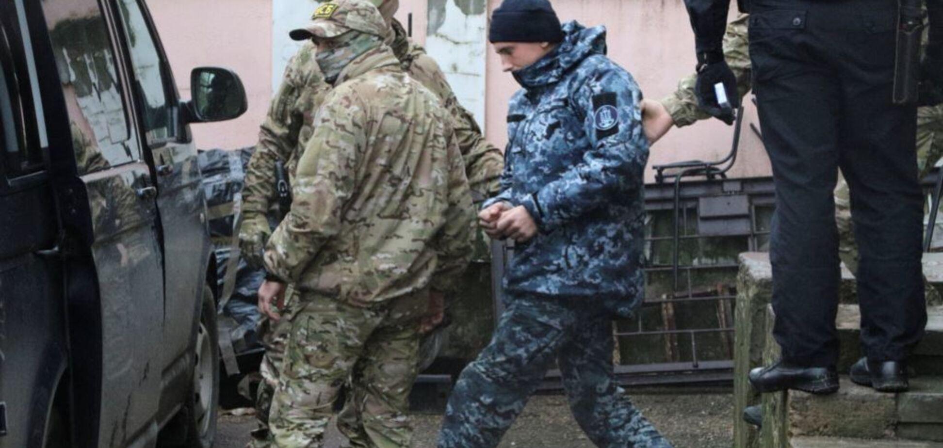 Захваченных украинских моряков срочно вывезлииз Крыма: что происходит
