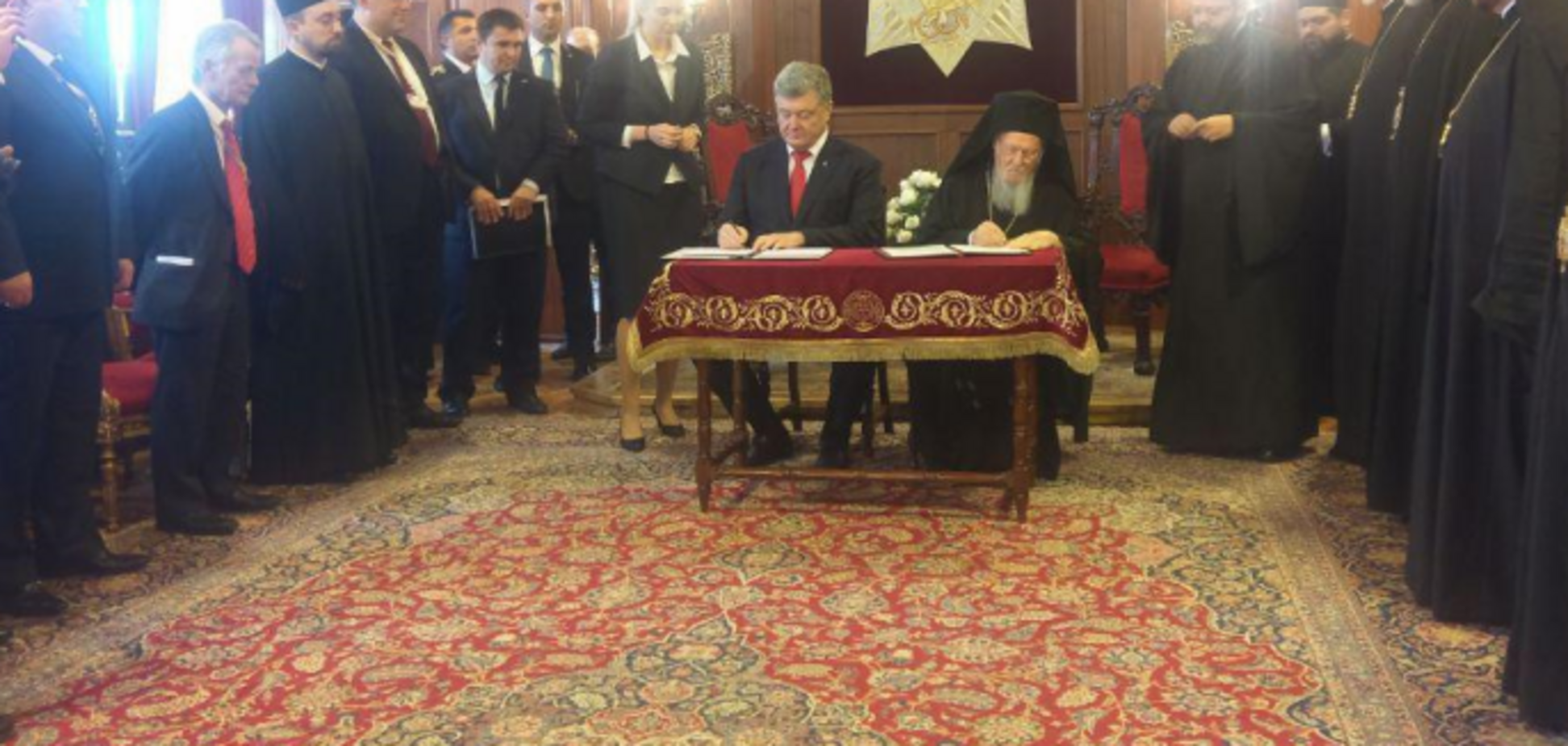 ''Прощай, РПЦ!'' Порошенко и Варфоломей дали старт независимой церкви в Украине