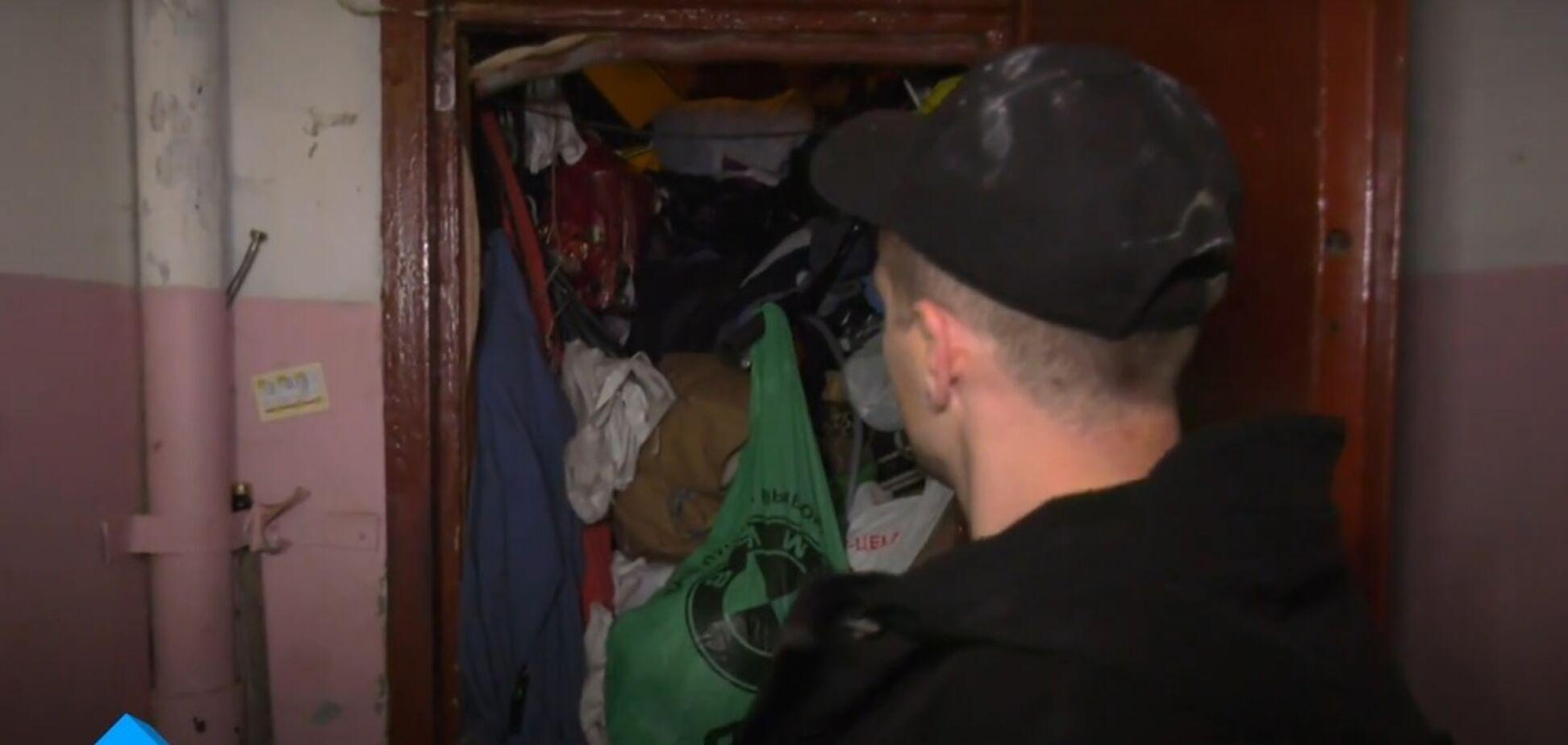 20 лет не выносил мусор: одессит удивил захламленной квартирой-свалкой