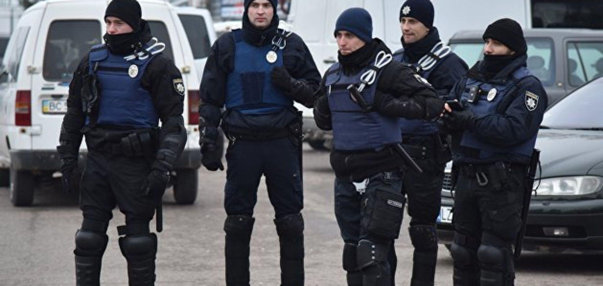 ''Викинули 90% нормальних людей'': реформа поліції в Україні з тріском провалилася