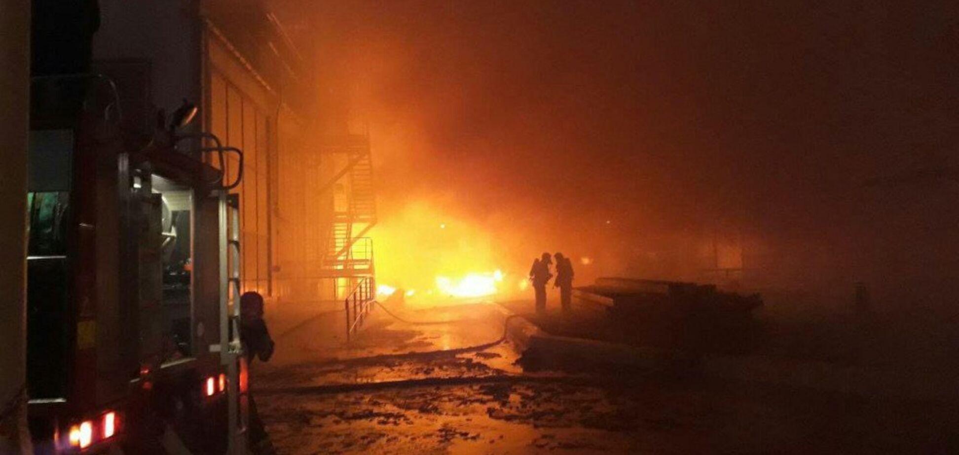 Пожежу на заводі під Одесою локалізовано: влада розповіла, що відбувається