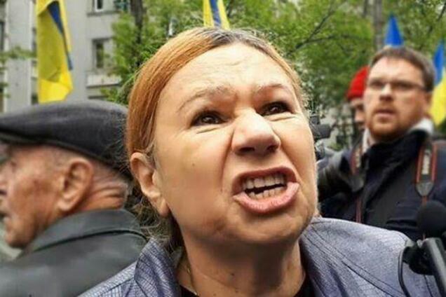 Олена Бережна
