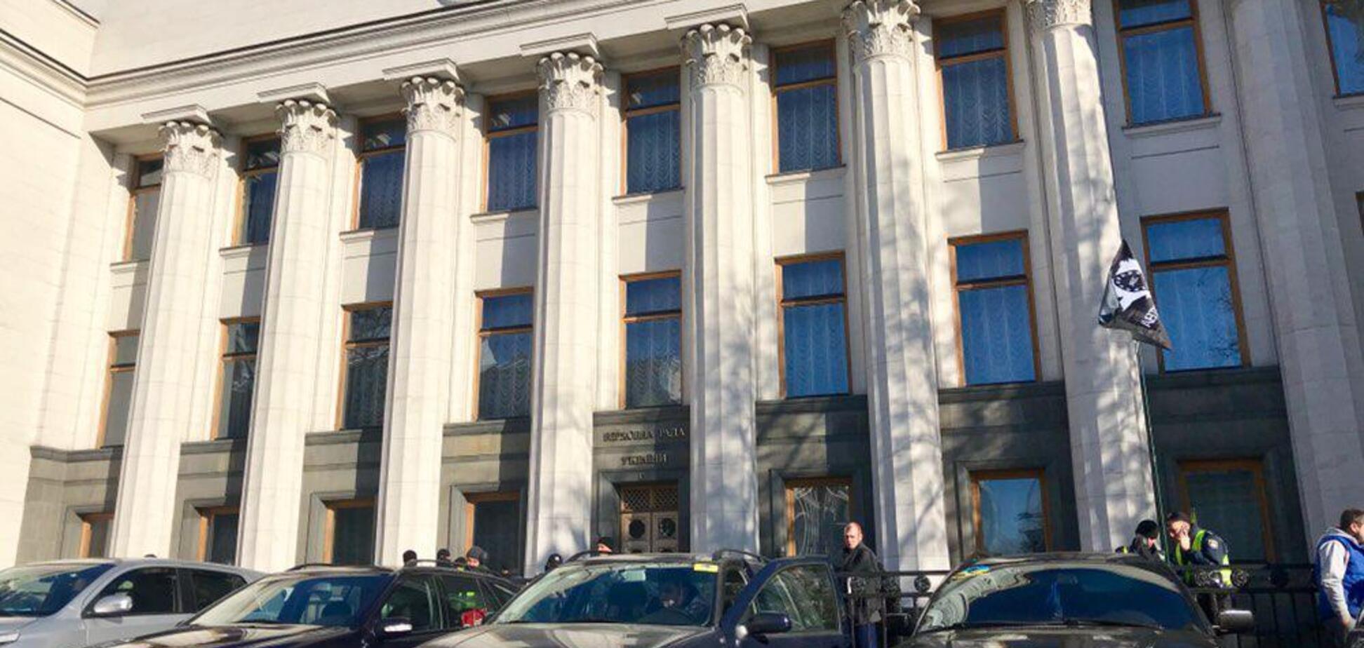 В Киеве водители авто на еврономерах устроили ''бунт'': яркий фоторепортаж