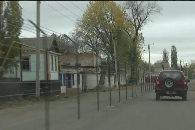 ''Меньше скакать надо было'': жители освобожденного ОС поселка обвинили Украину