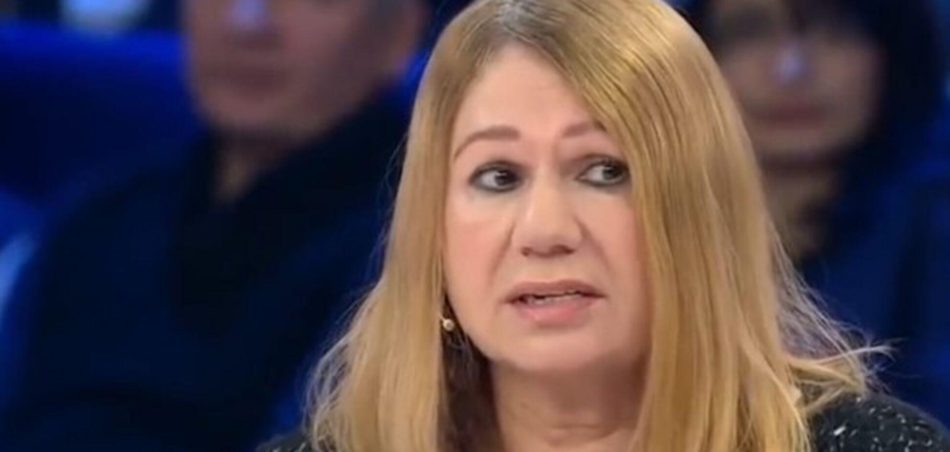 Мати екс-регіоналки Бережна покусала поліцейського: з'явилося відео