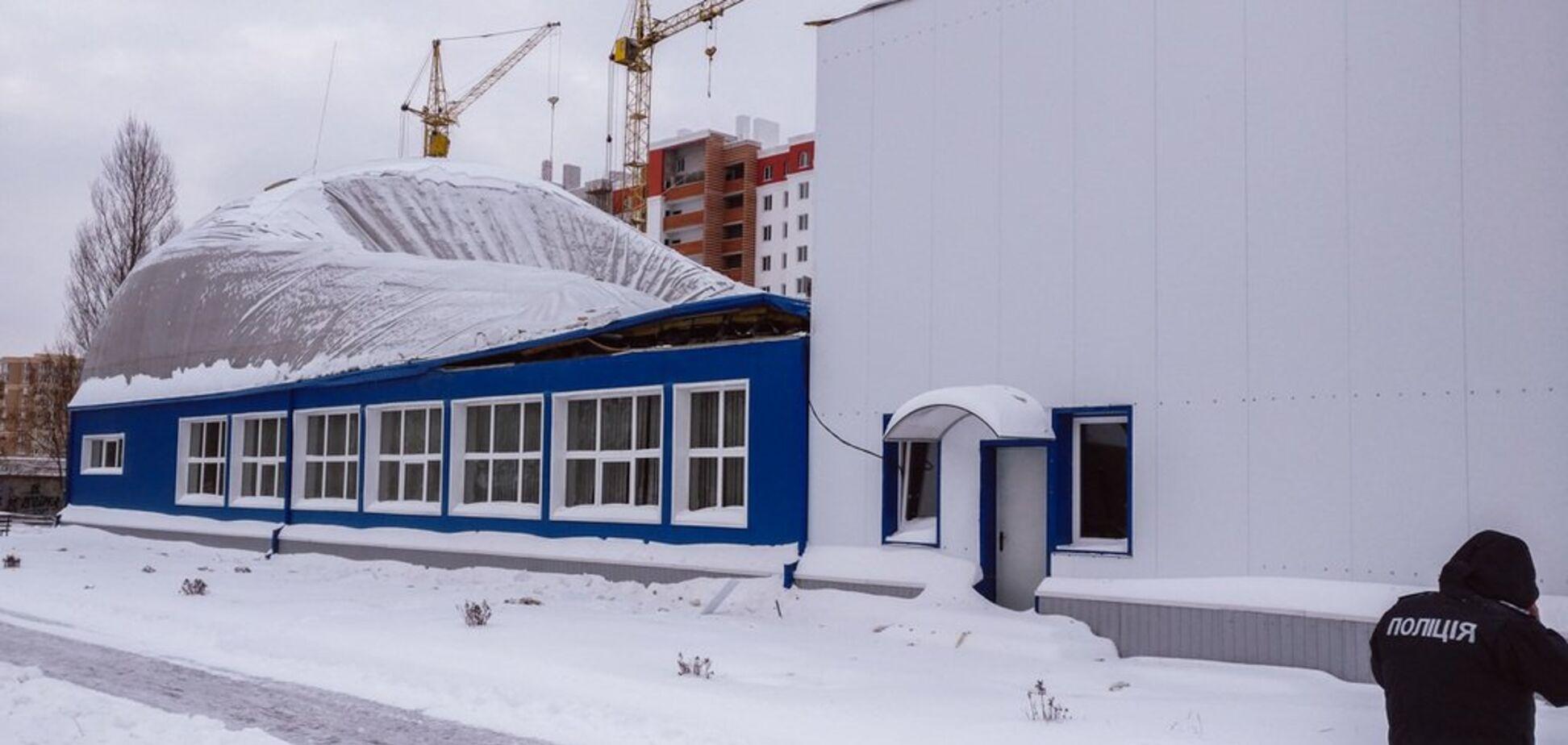 Во время тренировки: под Киевом обрушилась крыша школьного спортзала