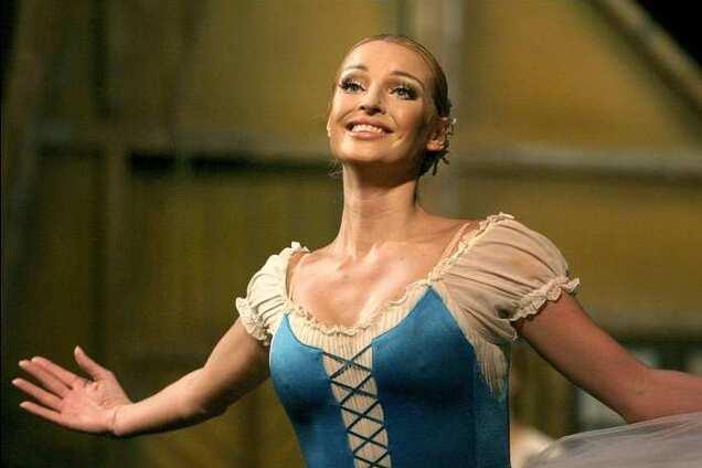 Предлагает интим: Волочкова пожаловалась на домогательства олигарха