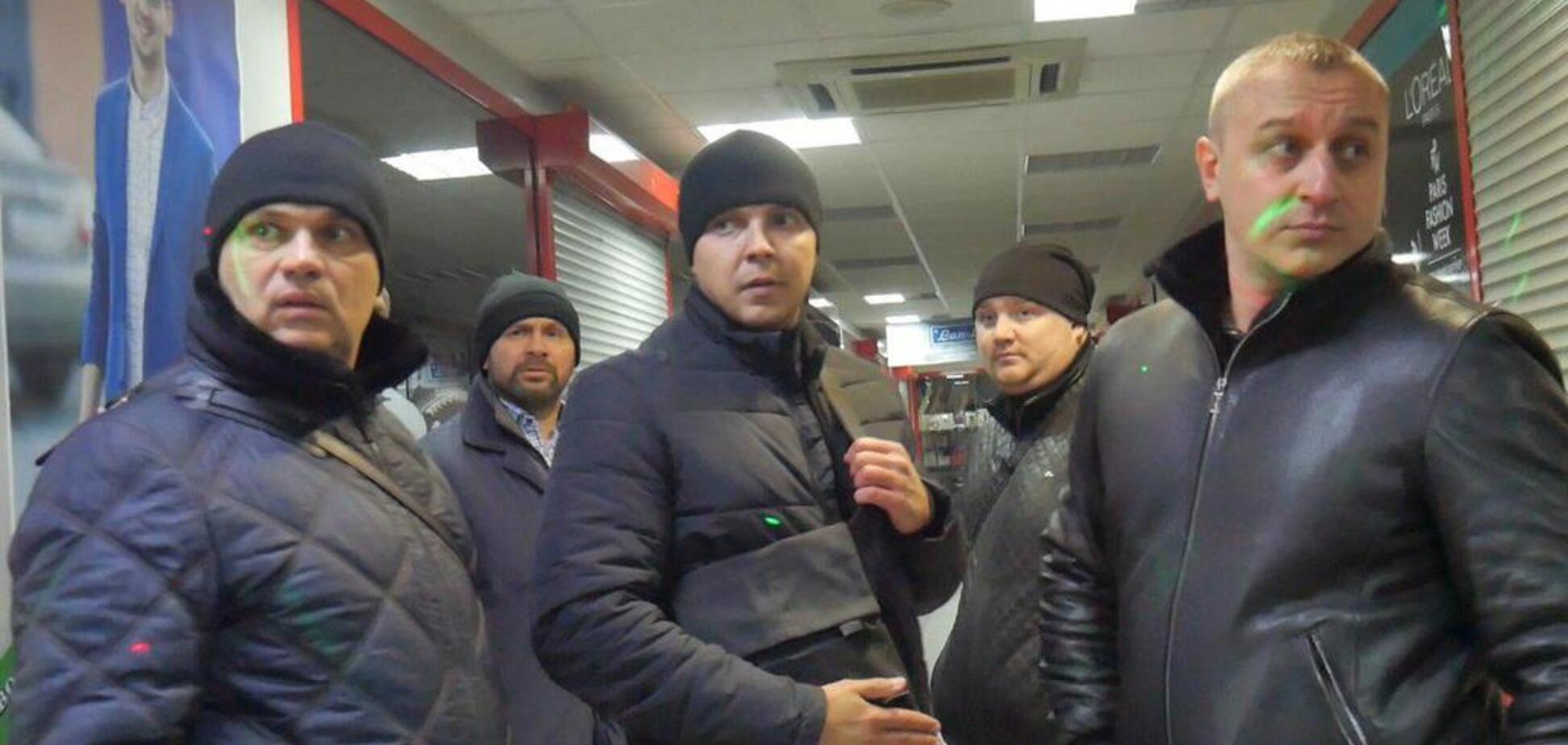 ''Рейдерське захоплення'' ТЦ у Києві: з'ясувалася причина сутичок