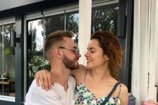 ''Буду любить вечно'': девушка умершего Мельничука тронула сеть прощальным посланием