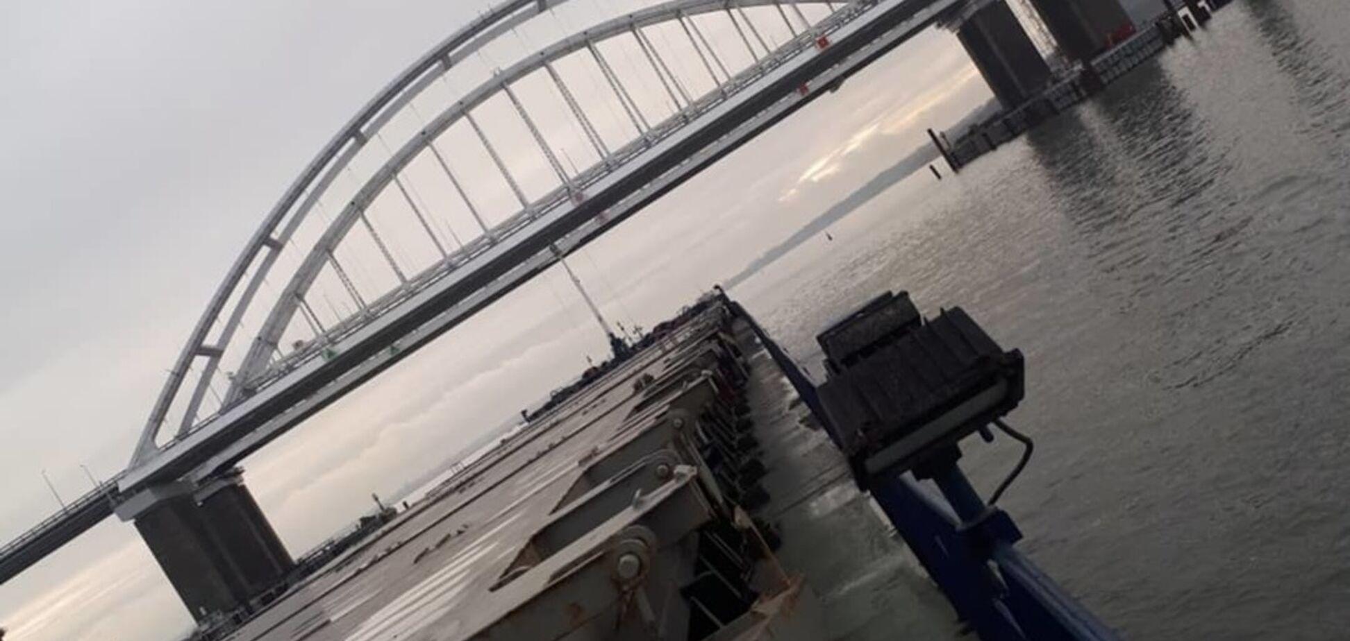''Частокіл із хвірткою'': у мережі показали знакові фото провального Кримського мосту