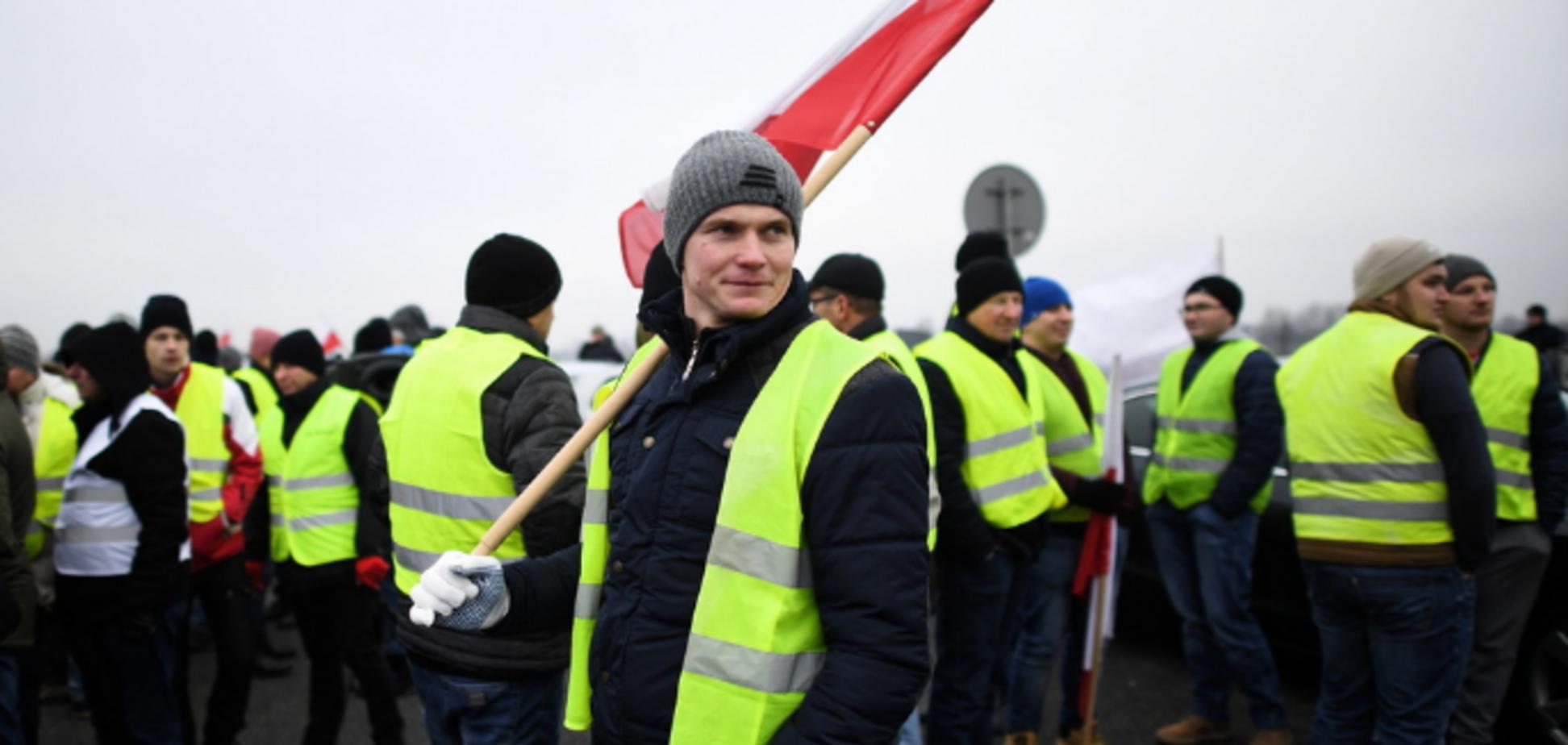 ''Желтые жилеты'' добрались до Польши: в требованиях звучит Украина