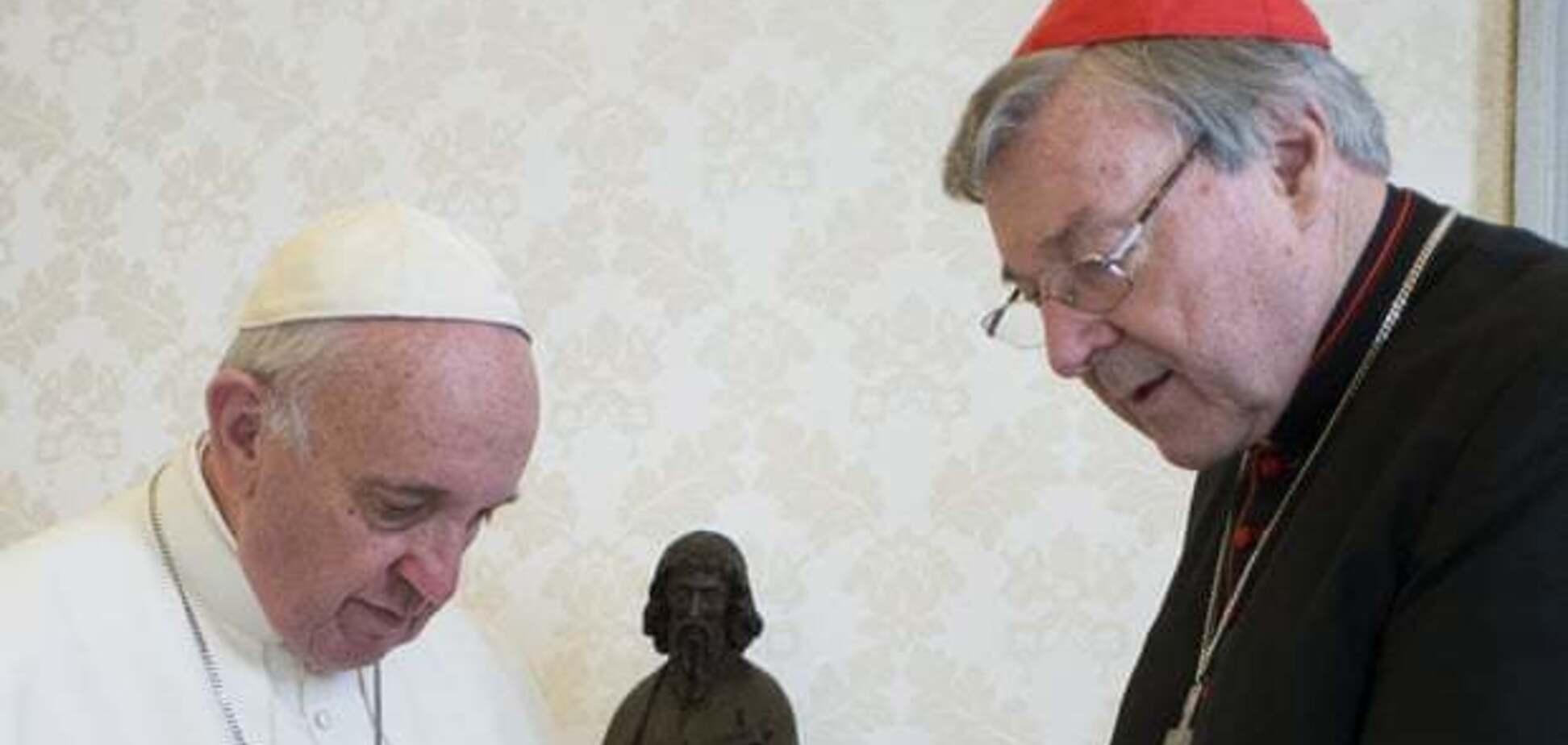 Папа Франциск звільнив одного із найвпливовіших кардиналів Ватикану: що сталося