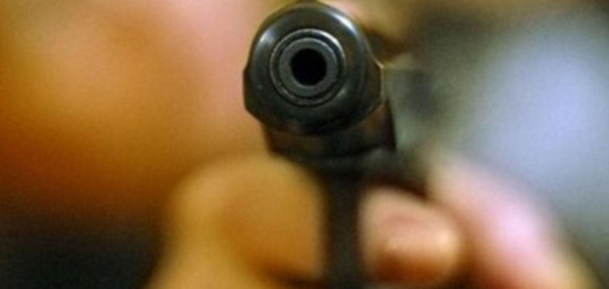 В Запорожской области нетрезвый мужчина выстрелил в 10-летнего сына