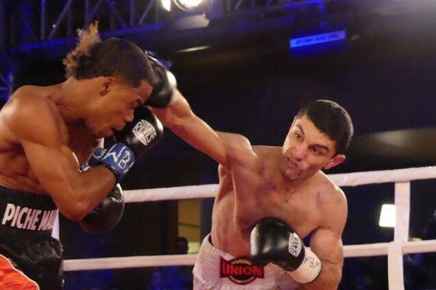 Непобедимый украинский боксер выиграл чемпионский бой