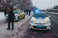 В Киеве вооруженный СБУшник угнал такси: подробности и фото