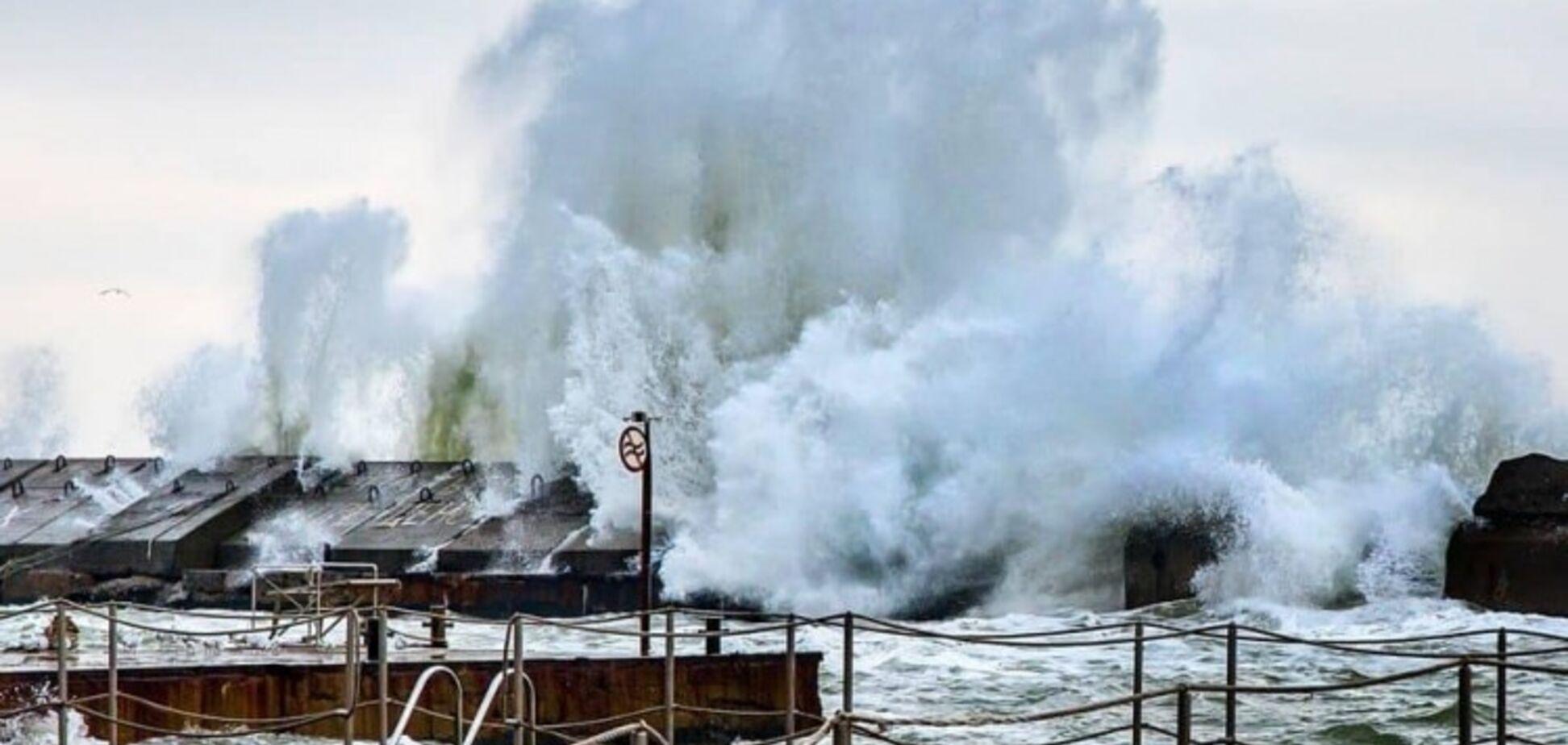 Зимний шторм в Одессе: появились невероятные фото