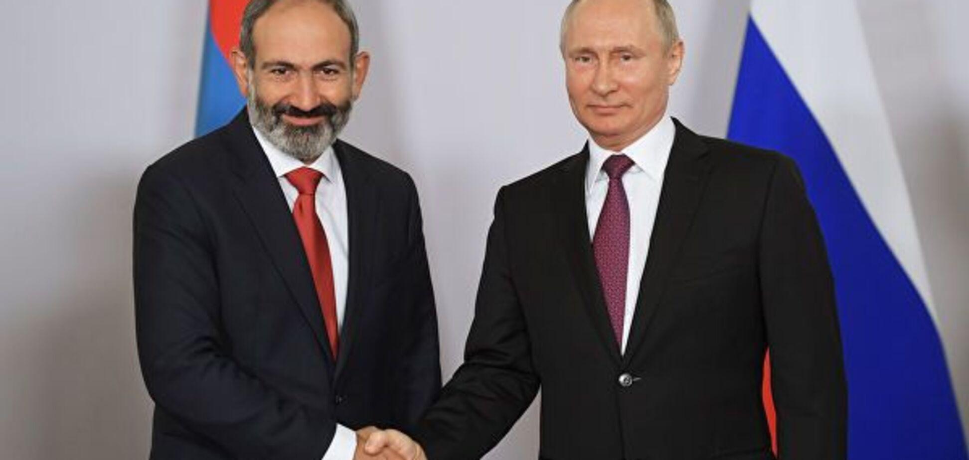 ''Пошел на**й, ручной раб!'' В Украине разгневаны предательством Армении и Беларуси