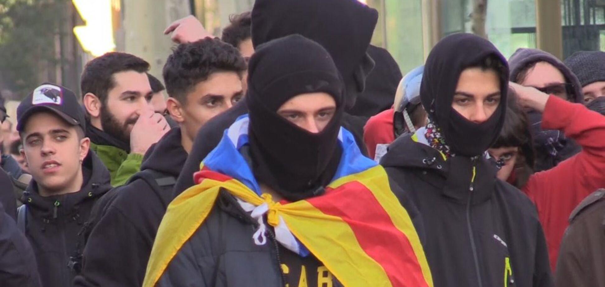 7 людей зарештовано в п'ятницю в наслідокзіткнень з поліцією в Барселоні