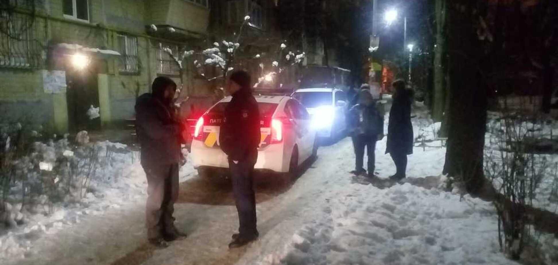 ''Терзали, погрожували ножем в обличчя'': у Києві поліцейський пограбував дитину
